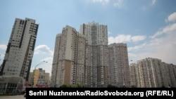 Срібнокільська вулиця, київський житловий масив Позняки