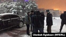 У аэропорта Манас в Бишкеке. 26 февраля 2017 года.