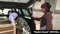 Душанбеге Ресейде өлтірілген бес жасар тәжік қызының сүйегін жеткізді