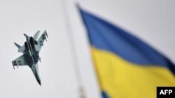 Український військовий літак у зоні АТО