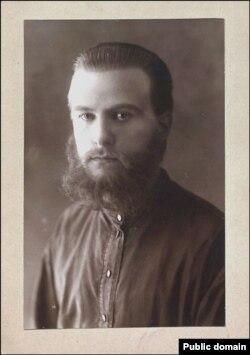 Антон Адамовіч, літаратуразнаўца, гісторык, доктар філялёгіі. У высылцы, 1930-я гады