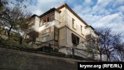 Дом №19 на улице Советской, вид с улицы Луначарского