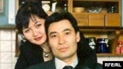Ғалымжан Жақиянов әйелі Қарлығашпен.