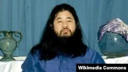 Лидер «Аум Синрикё» Сёко Асахара.