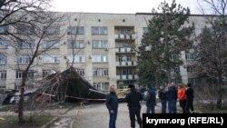 Наслідки ураганного вітру, Сімферополь, архівне фото