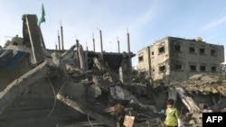 Руїни житлового кварталу після авіаційного удару ізраїльських ВПС, м. Рафах у південній частині смуги Газа, 30 грудня 2008 р.