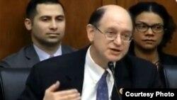 Конгрессмен Бред Шерман во время слушаний в комитете, Вашингтон, 25 февраля 2015 г․