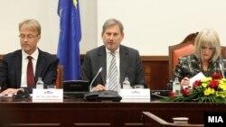 Johanes Han na sednici Nacionalnog saveta za evrointegracije