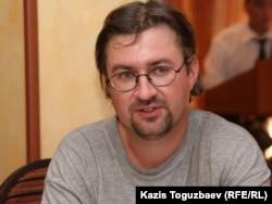 Сотрудник Казахстанского бюро по правам человека Андрей Гришин. Алматы, 3 августа 2010 года.
