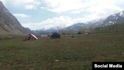 Палатки для пострадавших от землетрясения в Таджикистане.