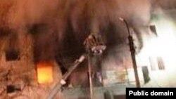 Bashkortostan -- Fire after gas bottle blast in Yanaul town of Bashortstan, 19Jan2013