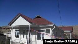 Новый роддом в селе Сай - благотворительный дар земляка-бизнесмена, Кара-Кульджинский район, Ошская область, 10 ноября 2012 года.