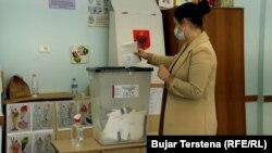 Glasanje na parlamentarnim izborima u Tirani, Albanija, 25. aprila 2021.