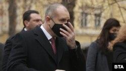"""Според Румен Радев предложението на управляващите за създаване на фигура, разследваща главния прокурор, която се избира от прокурорската колегия на ВСС, """"издава тяхната цел да се бетонира статуквото"""""""
