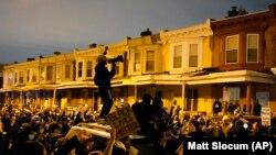 Акция протеста в Филадельфиипосле смерти от рук полиции афроамериканца, 27 октября 2020 года.