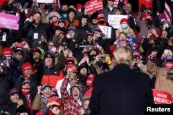 Președintele Donald Trump în cursul unui miting electoral în Nebraska, 27 octombrie 2020.
