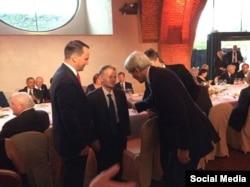 Mustafa Djemilev și secretarul de stat american John Kerry