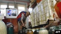 """Российские пенсионеры всегда делали накопления на """"черный день"""" натуральными продуктами"""