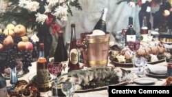 """Праздничный стол. """"Книга о вкусной и здоровой пище"""", 1952 год."""