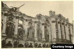 Разрушенный Екатерининский дворец