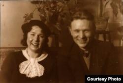Натальля Арсеньнева і Максім Танк. Вільня, 1937 г. БДАМЛМ