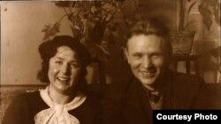 Натальля Арсеньнева і Максім Танк. Вільня, 1937 г.