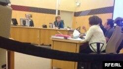 37-летний Юрий Жуковский (в центре слева) на судебном заседании по делу о покушении на имама О.Назарова.