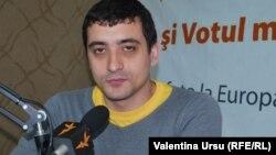 """George Simion, liderul Platformei """"Acțiune 2012"""", în studioul Europei Libere în 2012"""