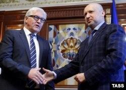 Frank-Walter Steinmeier şi Oleksandr Turcinov, la Kiev, 13 mai 2014