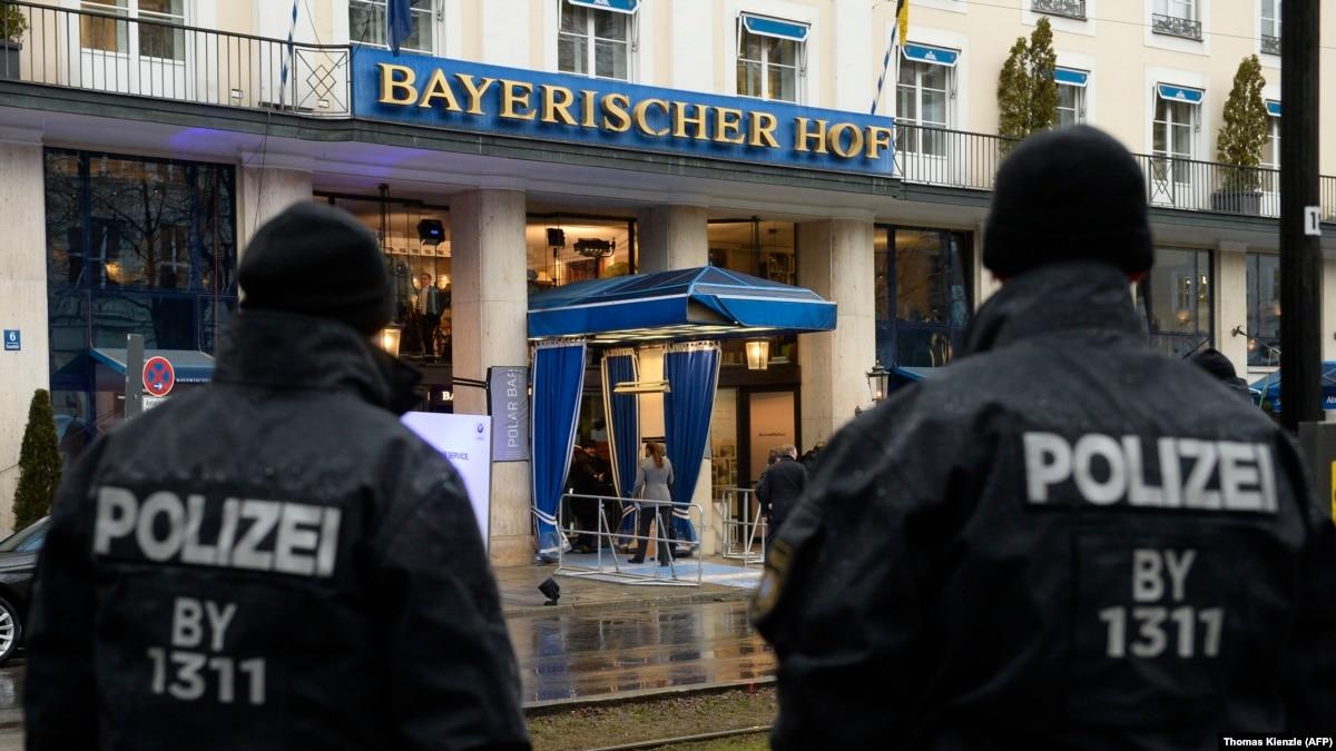 Мюнхенская конференция по безопасности: комментаторы обращают внимание на вопросы Украины и России