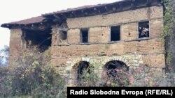 Напуштена куќа во пограничното село Спас кое се наоѓа во непосредна близина на Македонско - албанската граница.