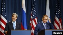 Державний секретар США Джон Керрі і міністр закордонних справ Росії Сергій Лавров, Женева, 12 вересня 2013 року