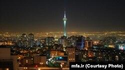 نمایی از برج میلاد در تهران