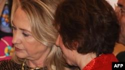 Clinton dhe Ashton - foto arkivi
