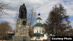 Памятник Александру Колчаку в Иркутске