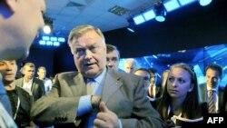 Глава РЖД Владимир Якунин на Петербургском экономическом форуме, 20 июня 2013 года