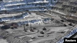 Центральный карьер месторождения Кумтор. Архивное фото.