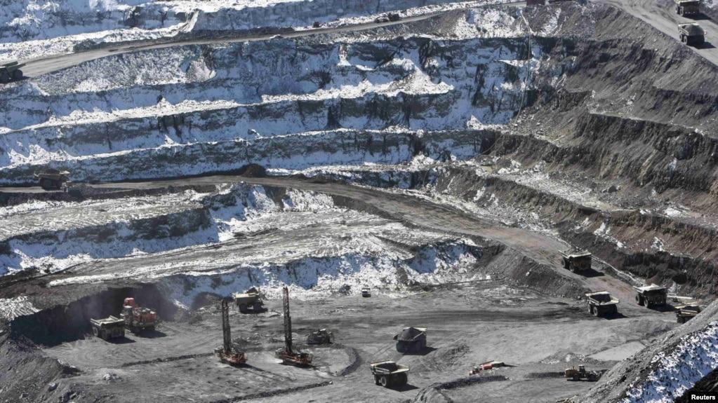 Kyrgyz Parliament OKs Road Map For Kumtor Gold Mine