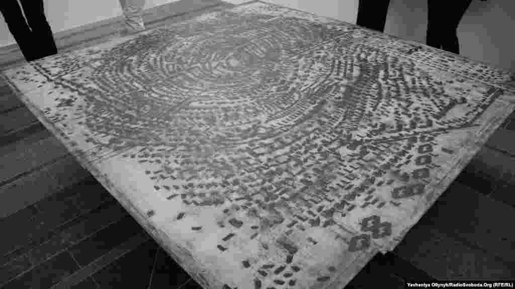 Павло Маков, «Книга днів», 1992-2002, фрагмент. Візерунок утворює реальний відбиток людського пальця