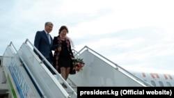 Фоторепортаж: Атамбаев прибыл с госвизитом в Узбекистан
