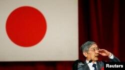 Председатель Банка Японии Харухико Курода полагает, что уже к середине 2015 года финансовые власти достигнут поставленной в прошлом году цели: ускорить рост цен в стране до 2% в год