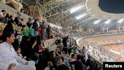 I navijačice na meču između al-Ahlija i al-Batina, 12. januar 2018.