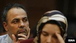 کلوتیلد ریس (راست) در دادگاه موسوم به کودتای مخملی