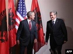 Përveç takimit në Zyrën Ovale me George Bush, Berisha kishte pritur në vizitë zyrtare në Shqipëri, presidentin amerikan, George W.Bush. Kjo vizitë ishte realizuar më 10 qershor, 2007.