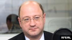 Александр Бабаков хочет быть конструктивным, но уже не в оппозиции