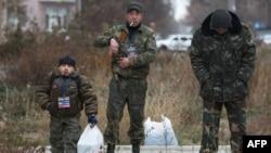 Бойовики угруповання «ДНР» у Донецьку. Листопад 2014 року