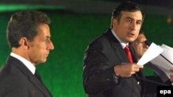 Президент Грузии Михаил Саакашвили с президентом Франции Николя Саркози на пресс-конференции 9 сентября 2008 года