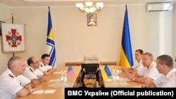 Під час протокольної зустрічі моряків України і США, фото прес-центру ВМС України
