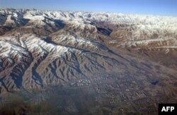 Душанбе маңындағы таулар. (Көрнекі сурет)