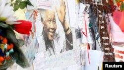 Письма Манделе с пожеланиями скорейшего выздоровления